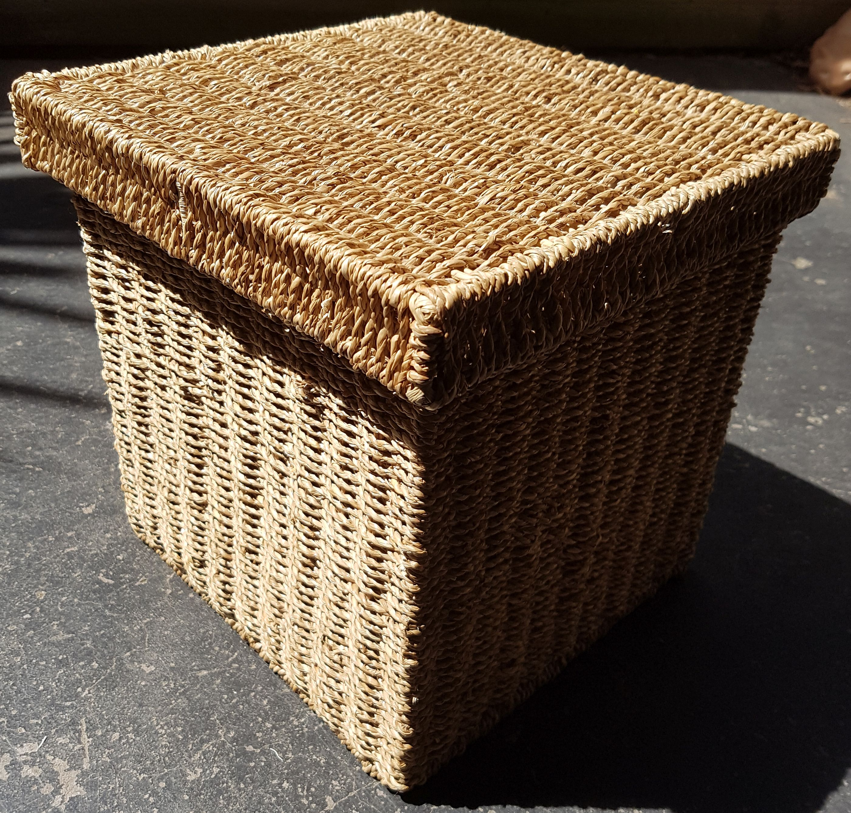material lined square cane wicker basket with lid x. Black Bedroom Furniture Sets. Home Design Ideas